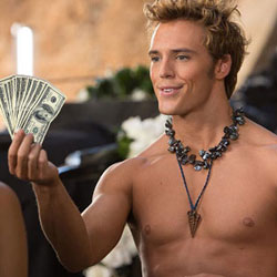 Finnick_Holding_Money